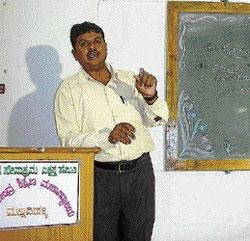 Teacher delivers lectures for 13 hours at one go