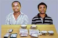 Two Nigerians held for selling cocaine