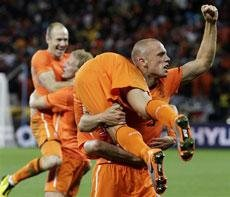 After 32 years, Netherlands reaches final again