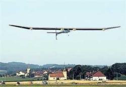 Solar plane sets out on historic flight