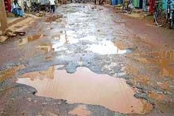 Rural roads better than urban in Srinivaspur taluk