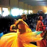 Bar girls entertain Education Minister in UP school
