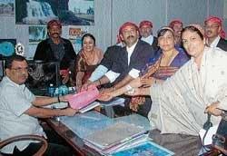 Declare Kodavas as 'linguistic minority tribe'