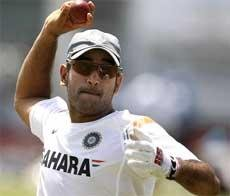 Dhoni expects fireworks from Sehwag