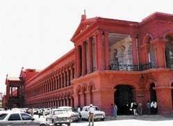 HC puts on hold 6,000 crore ST notice on BSNL