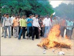 Fee hike: Students vent angst against elected representatives