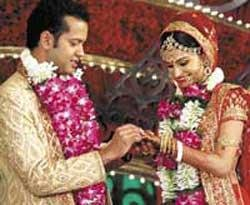 Dimpy dumps Rahul, but back after he apologises