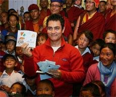 All is not well, says Aamir after visiting 3 Idiots school