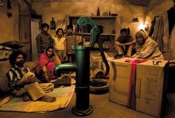 'Peepli' brings alive the real, 'non-shining' India