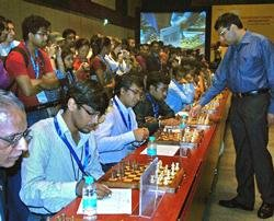 Anand beats 39 chess wizards in ICM