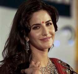 I am single, says Katrina Kaif