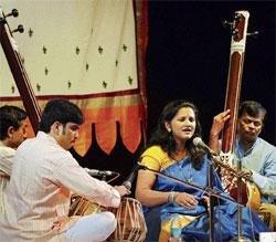 Smriti-Nandan fest gets underway