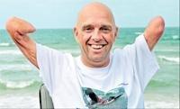 Quadruple amputee swims across English Channel