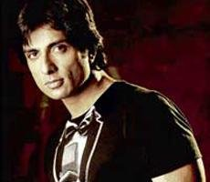 Bollywood still not big on men showing skin, says Sonu Sood