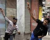 Govt to free Kashmir stone-pelters