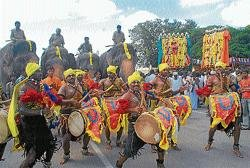 Cultural ambassadors start with Dasara campaign from city