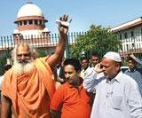 Die is cast: SC steps back to allow Ayodhya verdict
