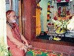 Navarathri begins with colourful note in Sringeri