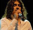 Fans go amuck as Sonu Nigam sings