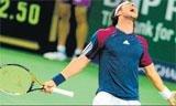 Federer, Djokovic march into semifinals