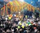 Thousands witness Theerthodbhava