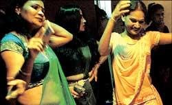 Bar girls spice up Ramlilas in UP