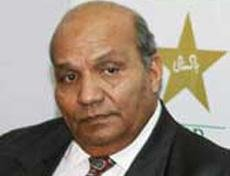Pak cricketers in SA not confined to hotel rooms: Intikhab