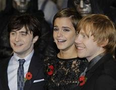 Harry Potter fans brave wind and rain for premiere