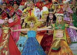 Asiad unfurls with China's brilliant show