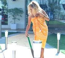 Pamela gorges on paranthas, cleans 'Bigg Boss' house