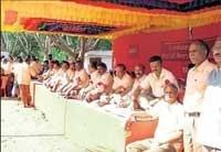 BEML workers go on hunger strike