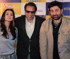 Bollywood's very own Jats' 'Yamla Pagla Deewana' add to Lohri magic