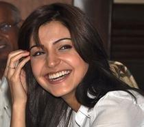 I was very scared of Rishi Kapoor initially: Anushka Sharma