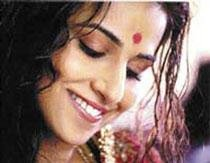 Vidya not baring all for Hussain's painting