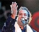 Pakistani singer Rahat, four others questioned by DRI