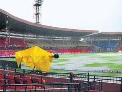 Rain threatens to play spoilsport on Sunday