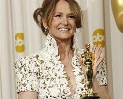 Melissa Leo, Christian Bale win in Supporting Actor categories