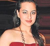 I'm not scared of item numbers: Sonakshi Sinha