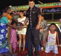 Salman felicitates workers of Film City