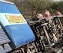 25 passengers injured as train derails