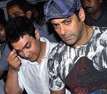 Salman, Aamir take 'knotty' pot-shots at each other