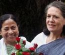 Mamata tightens ties with Congress
