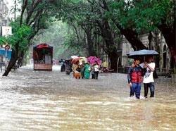 Mumbai areas waterlogged after third day of heavy rains