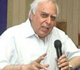 Sibal meets industry leaders to formulate ICT policy