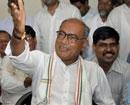 Digvijay says younger Kejriwal should fast, not Anna
