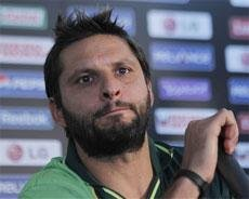 Afridi appears before committee, refuses to apologise