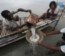 33 trawlers with 550 fishermen missing in Bay of Bengal