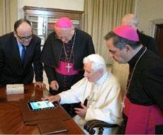 Pope's first tweet marks Vatican social media revolution