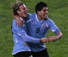 Uruguay oust Peru to reach Copa America final