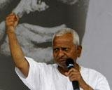 Hazare fears removal, asks supporters to maintain peace